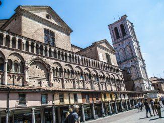Piazza-Savonarola